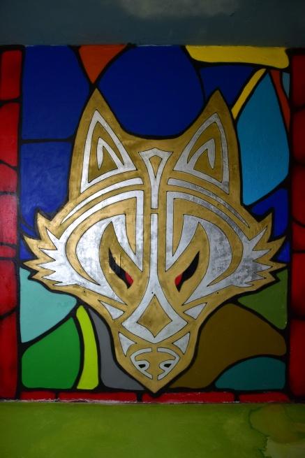 Yren_street-art-city_loup_hôtel128_chambre-126